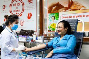 Tiếp nhận hơn 6.530 đơn vị máu tại chương trình 'Blouse trắng – Trái tim hồng'