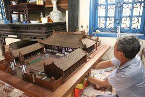 Ngắm nhìn mô hình đình làng hơn 300 năm siêu nhỏ