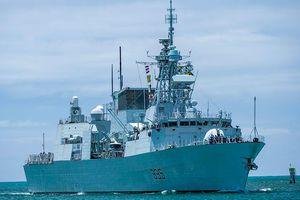 Tàu Trung Quốc bám đuôi chiến hạm Canada đi qua Biển Đông