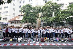 Khởi động cuộc thi 'Mini Car Racing 2021'