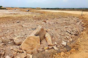 Thừa Thiên Huế: Xây khu tái định cư hàng chục tỷ, san nền bằng rễ cây, đá tảng
