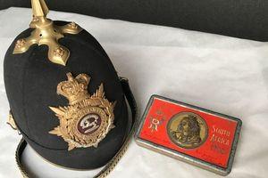 Tìm thấy hộp socola 121 năm tuổi của Nữ hoàng Victoria