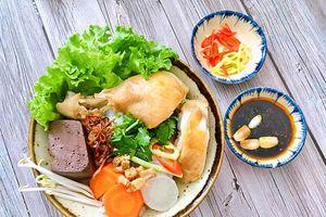 Cách nấu bánh canh gà đậm đà, bổ dưỡng cho người mới ốm dậy