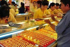 Giá vàng hôm nay 1/4: Vàng bất ngờ đảo chiều tăng mạnh