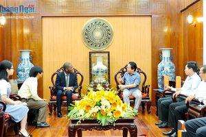 Phó Chủ tịch UBND tỉnh Võ Phiên tiếp đại diện tổ chức Tầm Nhìn Thế Giới