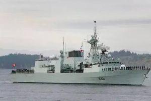 Tàu chiến Canada đi qua Biển Đông