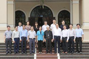 Lãnh đạo Ban Dân vận Thành ủy Hà Nội chúc mừng Tòa giám mục Hưng Hóa nhân dịp Lễ Phục sinh 2021