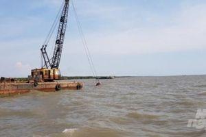 Cà Mau: Đã khắc phục tình trạng tàu cá mắc cạn ở cửa biển Khánh Hội
