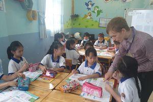 Đưa nhiều hoạt động thực nghiệm vào giảng dạy tiếng Anh cho học sinh