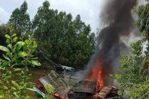 Bình gas trên phà bất ngờ phát nổ, 3 người thương vong