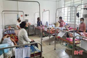 Chưa thích nghi kịp thời với thời tiết, trẻ nhỏ và người già ở Hà Tĩnh nhập viện tăng