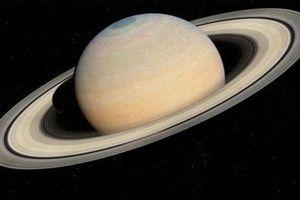 Sao Thổ thay đổi màu sắc theo mùa