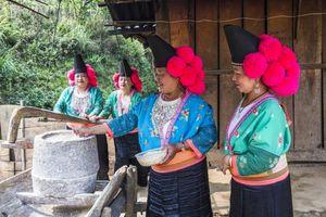 Cú phủa- Nét độc đáo của phụ nữ H'Mông Thuận Châu, Sơn La