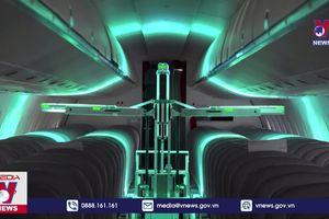 Thử nghiệm robot diệt virus trên máy bay chở khách