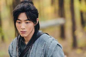 Nhà sản xuất 'Sông Đón Trăng Lên' buộc Ji Soo phải bồi thường thiệt hại do scandal