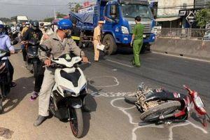 Xe tải lao dốc đâm vào xe máy, 2 nữ sinh viên thiệt mạng