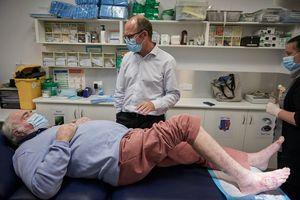 'Tôi như chết đi sống lại sau khi nhiễm vi khuẩn ăn thịt người'