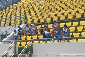 Cầu thủ Than Quảng Ninh đình công vì bị nợ lương: Bi hài bóng đá Việt