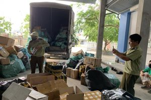 Thừa Thiên Huế: Phát hiện xe tải vận chuyển nhiều loại hàng hóa nhập lậu