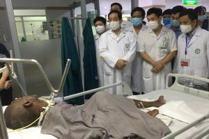 Tìm hướng giải quyết khó khăn cho bệnh nhân người nước ngoài tại BV Bạch Mai