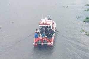 Người phụ nữ mất tích sau khi rơi cầu Bình Lợi