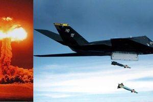 Cường kích duy nhất của Mỹ từng mang vũ khí hạt nhân