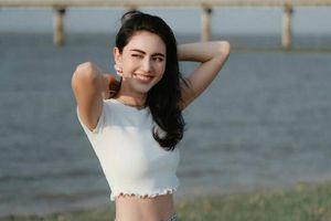 Nữ hoàng Instagram Thái Lan đốt mắt với vòng eo con kiến trứ danh
