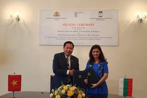 Dự án sen Huế của Trường Đại học Nông Lâm, Đại học Huế được Bộ Ngoại giao Bungari tài trợ