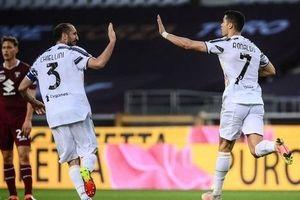 Ronaldo lên tiếng, Juventus thoát thua trước Torino