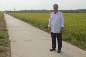 Người nông dân hiến hàng ngàn mét vuông đất để mở đường