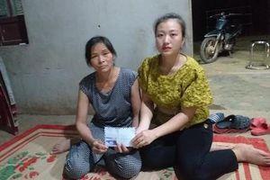 Trao tiền giúp đỡ 'người cha tự thiêu sau khi con chết vì TNGT'