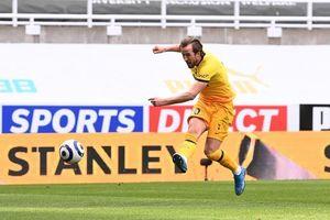 Thủng lưới phút cuối, Tottenham lỡ cơ hội vào top 4