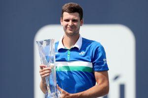 Tay vợt đi vào lịch sử Ba Lan sau khi lên ngôi Miami Open