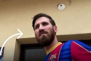Họa sĩ người Ai Cập giống như bản sao của Messi