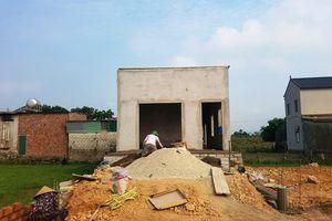 Căn nhà mơ ước của hai anh em mồ côi sắp hoàn thiện