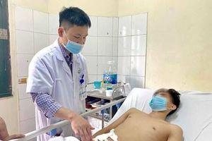 Phẫu thuật thành công nam thanh niên bị đứt 'súng' do tai nạn xe máy