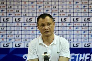 HLV Quang Trường nói về học trò sau trận SLNA thua Nam Định