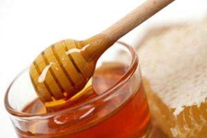 Trắng da 'cấp tốc' chỉ bằng cách sử dụng mật ong