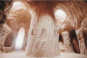 Tuyệt tác nghệ thuật độc đáo bên dưới sa mạc nóng bỏng