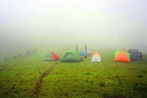 Độc đáo trải nghiệm leo núi và du lịch khám phá