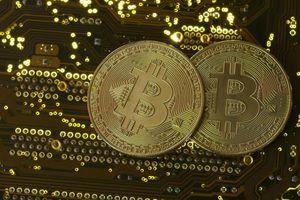 Giá Bitcoin hôm nay 5/4: Bitcoin sát 59.000 USD, các loại tiền ảo tăng dựng đứng