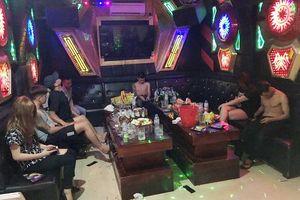 Hải Phòng: Bắt giữ 2 đối tượng tổ chức sử dụng trái phép ma túy tại quán karaoke