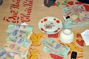 Ba cán bộ ở Quảng Trị bị khởi tố về hành vi đánh bạc
