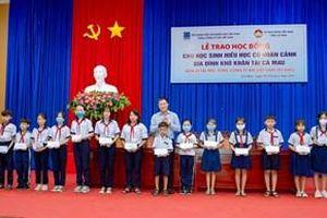 PV GAS trao học bổng cho 500 học sinh, sinh viên nghèo hiếu học tỉnh Cà Mau