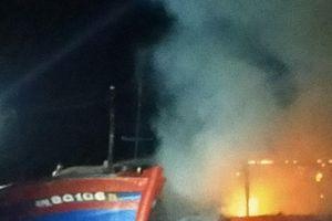Quảng Ngãi: Cháy tàu cá thiệt hại hơn 3 tỷ đồng