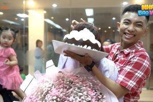 Showbiz 6/4: Phan Hiển lên tiếng về việc bị chỉ trích khi úp bánh kem lên mặt Khánh Thi