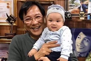 NSND Trọng Trinh: 'Tuổi 64 tôi có con nhỏ đúng là gay go'