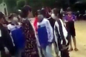 Nhóm học sinh cấp 3 ở Nghệ An đánh hội đồng, dằn mặt nữ sinh lớp 8