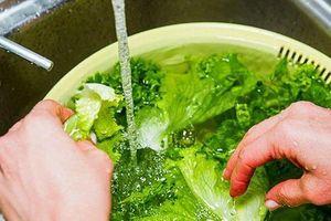 Rửa rau chỉ cần cho thêm 2 thứ này, đảm bảo hết sạch thuốc trừ sâu