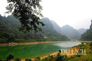 Mê mẩn khám phá vẻ đẹp của hồ Thang Hen, Cao Bằng